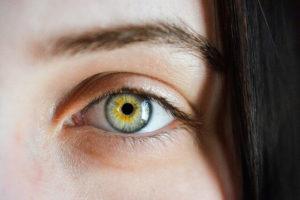 dominantes Auge bestimmen durch Test im Bogensport